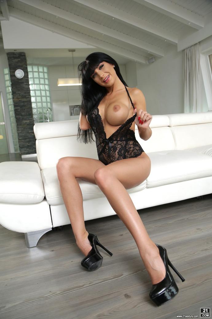 Busty Valentina Ricci In Sexy Black Lace Bodysuit