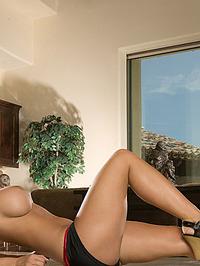 Bentley Shea action girl 06