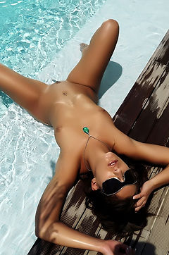 Francesca Havig Fun In The Pool