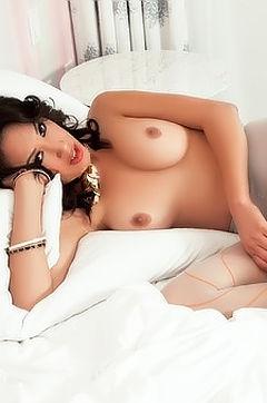 Samantha Leon Bedroom