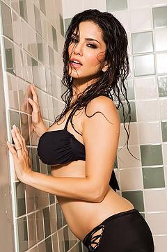 Sunny Leone Sexy Nudes