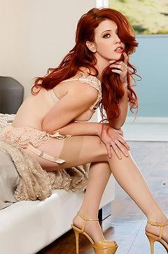 Sexy Redhead Elle Alexandra