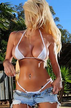 Malibu Beach Babe