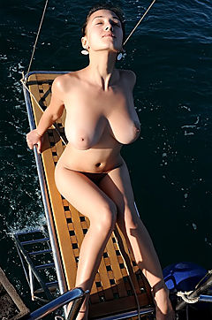 Hot Ocean Cruise With Nude Girl