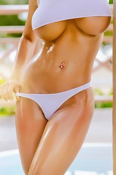 Bianca Beauchamp Nice Wet Boobs