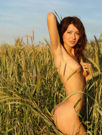 Dariya A Loves Being Naked 07