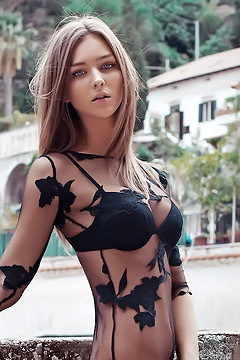 Meet The Beautiful Rachel Cook